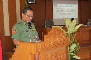 Sekretaris DPRD Drs.Atur Satria