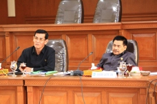 Foto 18 D. Ketua dan Wakil ketua Pansus III DPRD Kota Payakumbuh Maharnis Zul dan Basri Latief