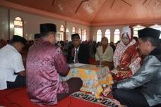 H. Wilman Singkuan jadi saksi pernikahan Yanti dan Dasman
