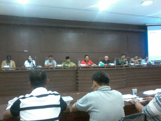 Rapat Kerja Persiapan Porprov di Aula Balai Kota Payakumbuh yang di hadiri oleh Plt Walikota dan Wakil Ketua DPRD h