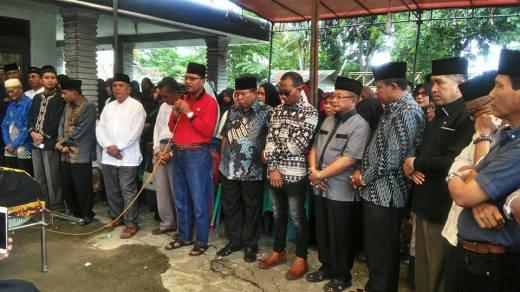 Ketua DPRD Kota Payakumbuh Melayat Kerumah Duka