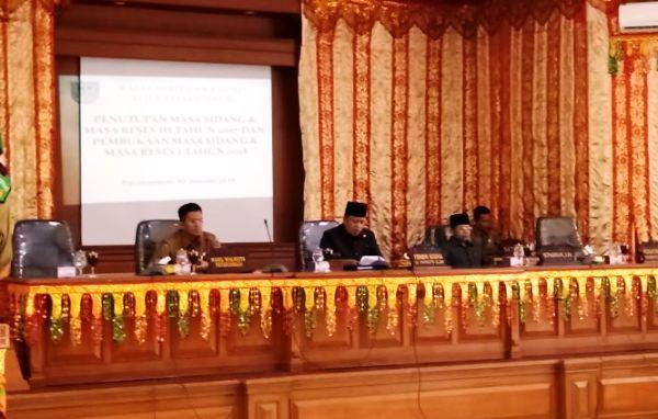 Rapat Paripurna Penutupan Masa Sidang dan Masa Reses Ketiga Tahun 2017 dan dilanjutkan dengan Pembukaan Masa Sidang dan Masa reses Kesatu tahun 2018